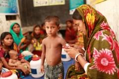 रिपोर्ट: ताक़तवर देशों में शुमार भारत के बच्चे कमजोर, कुपोषण का गंभीर खतरा