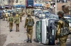 जम्मू-कश्मीर : पथराव, आगजनी के बाद कर्फ्यू, कई लोग घायल