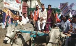 खंडवा : धिक्कार आंदोलन के बहाने भाजपा की एयर स्ट्राइक पर राजनीति