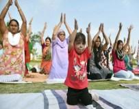 देखिये विश्व की सबसे छोटी महिला ज्योति आमगे का योग अभ्यास