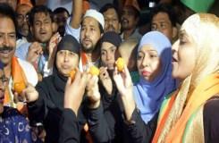 ट्रिपल तलाक बिल : मुस्लिम महिलाओं ने मनाया जश्न, कहा PM MODI शुक्रिया