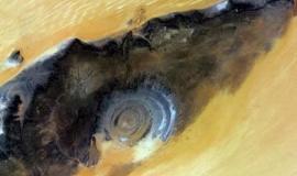 क्या है सहारा रेगिस्तान में बनी विशालकाय नीली आंख का रहस्य?