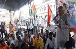 BJP सांसद नंदकुमार सिंह चौहान के बिगड़े बोल, 2 लाख के चक्कर में किसान साफ, किसानों ने कहा-गांव में घुसने नहीं देंगे
