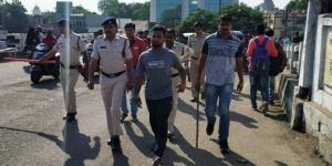 खंडवा : मनीष कनाड़े हत्याकांड के आरोपी भाजपा नेता बादल शर्मा का जुलूस निकाला