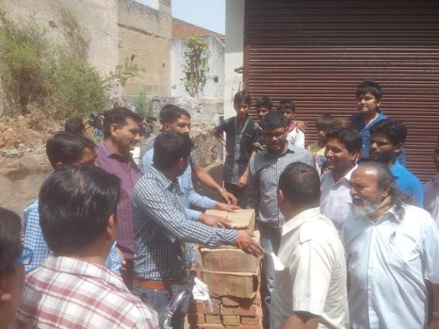Against liquor landed Youth Congress