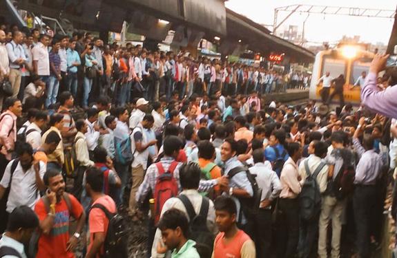 Mumbai Badlapur-railway-station