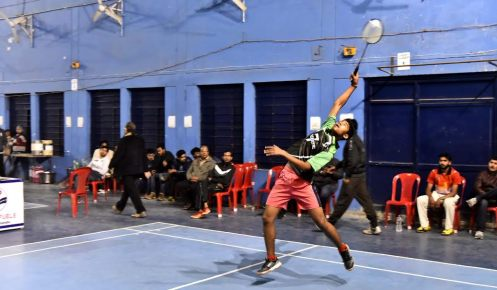 mandla-world-class-badminton-player