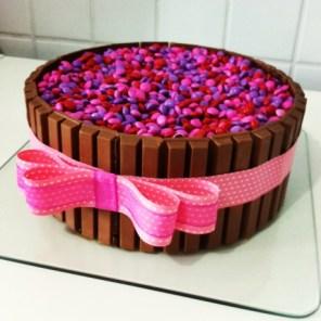bolo-feito-com-chocolates