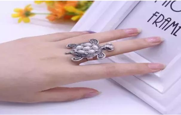 Turtle-Ring-should-not-wear-these-three-zodiac-signs