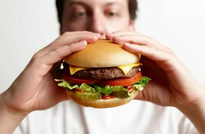 careful-These-diseases-can-be-increased-by-eating-food-alone