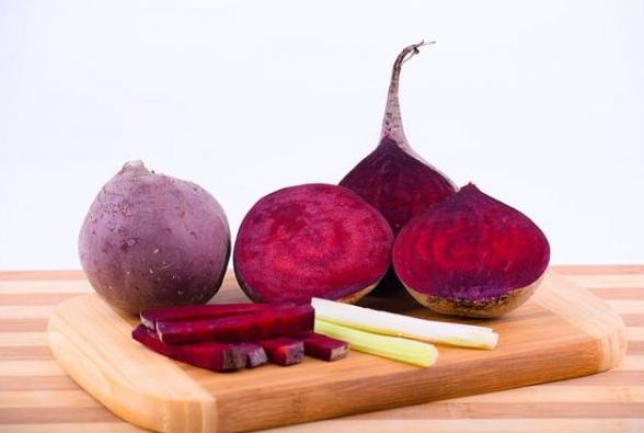 You-will-be-surprised-to-know-so-many-amazing-benefits-of-eating-beetroot.