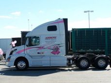 2010 pink arrow truck