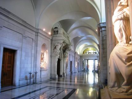 Carnegie_Mellon_University_College_of_Fine_Arts_building_-_hallway