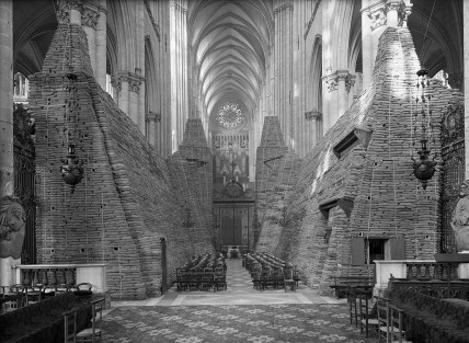The cathedral of Amiens during WWII