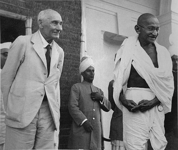 572px-Lord_Pethic-Lawrence_and_Gandhi