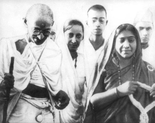 Mahatma_26_Sarojini_Naidu_1930