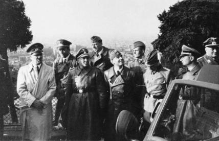 Bundesarchiv_Bild_146-2004-0017_Paris_Besuch_Adolf_Hitler_Speer_Giesler_Breker