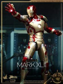 hot-toys-iron-man-3-mark-xlii