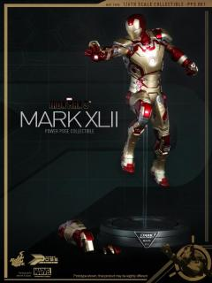 iron-man-3-hot-toys-mark-xlii-stand