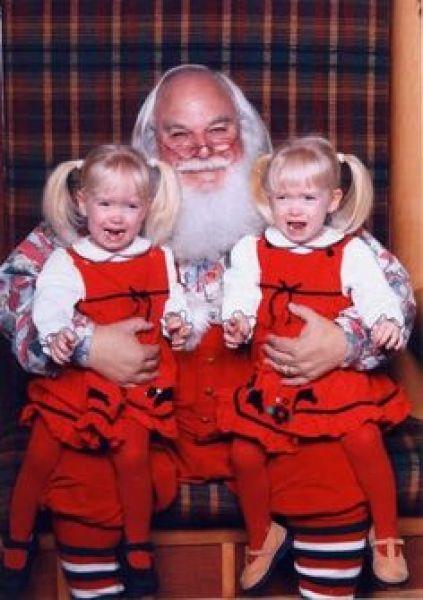 1a73bf8f1117eb01da3eec028e9dc98a awkward pictures santa pictures - The Worst Santa's Lap Photos to Ruin Your Christmas