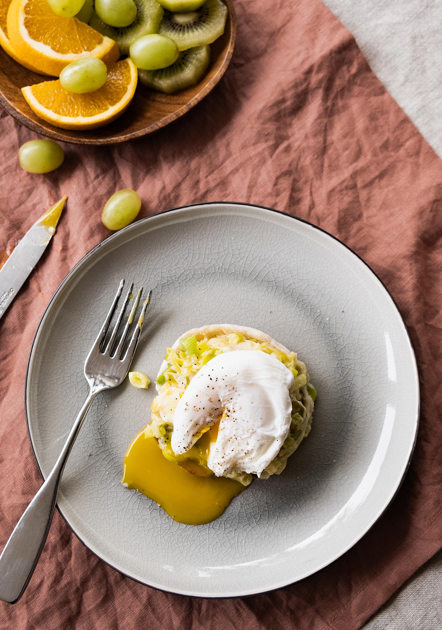 œufs poches garniture aux poireaux et au fromage oka