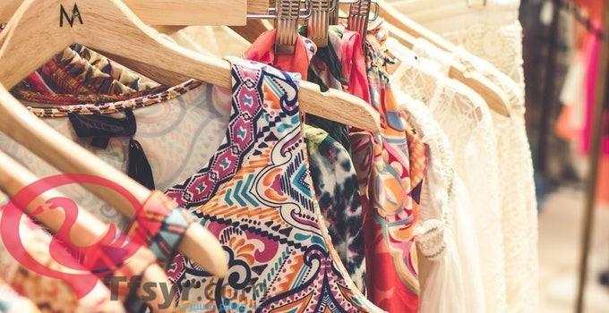 تفسير رؤية الملابس في المنام للمتزوجة والعزباء