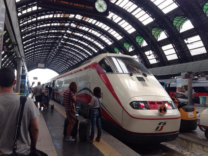 ミラノ駅でスリにあう。