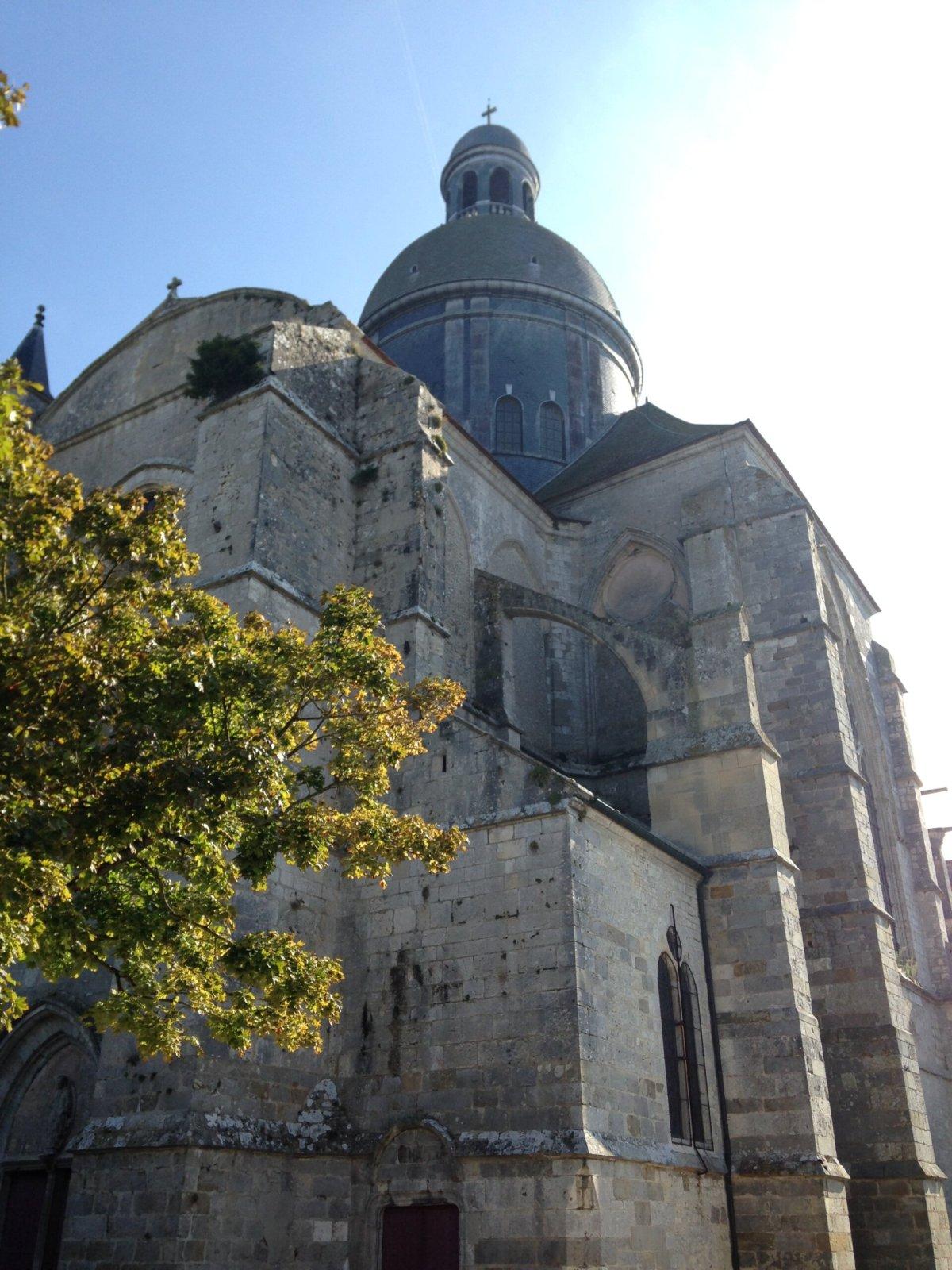 プロヴァンのサン キリアス大学教会