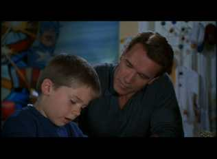 Jake Lloyd and Arnold Schwarzenegger in Jingle All the Way (1996)