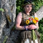 Mother Of 2 Who Married A Tree Celebrates First Wedding Anniversary In England