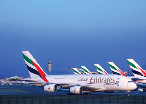 emirates a380 fleet at dubai international2055622848..jpg