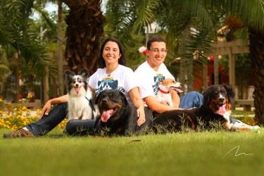 imagem treinadores e seus cães