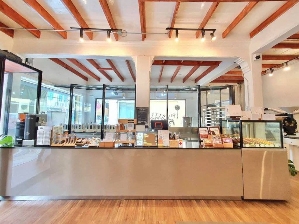 PARADAi Crafted Chocolate & Cafe ภายในร้าน
