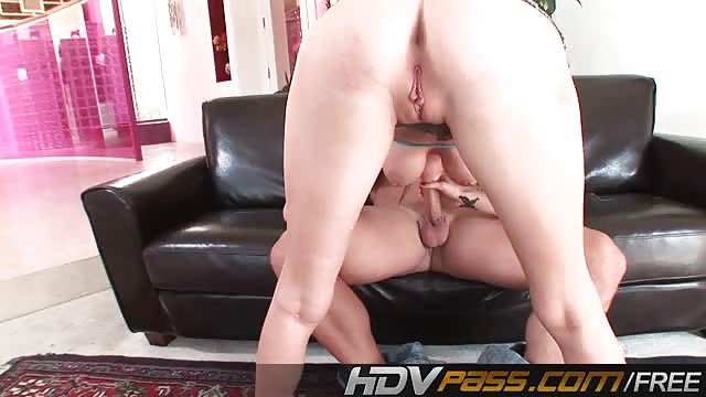 Realityjunkies hairy wife horny for vídeo porno