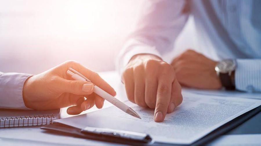 مالذي علينا معرفته قبل توقيع عقد العمل ؟