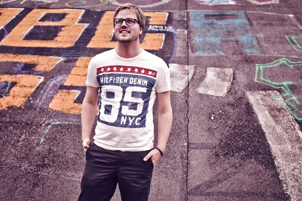 thaeger-menswear-fashion-hilfiger-denim-graffiti