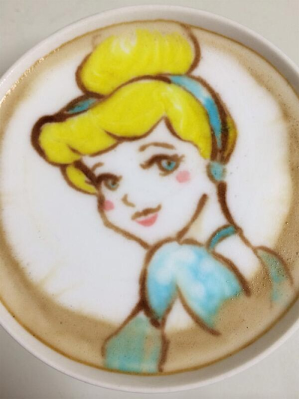 Colorful Caffe Latte Art Cinderalla
