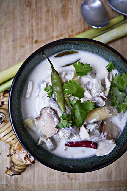 Tom Kha Gai Recipe-Thai Coconut Chicken Soup-ต้มข่าไก่