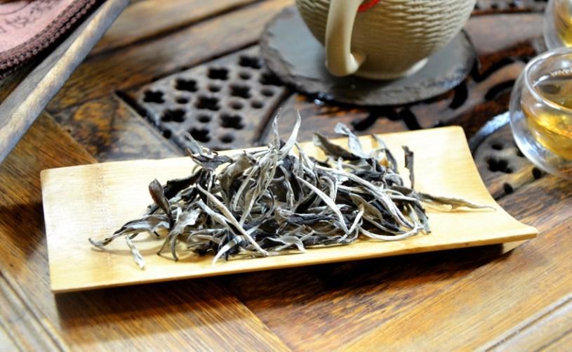 Kinnari White Moonlight Tee - weißer Tee mit Pflückstandard 1+1 aus Xiangkhouang, Laos