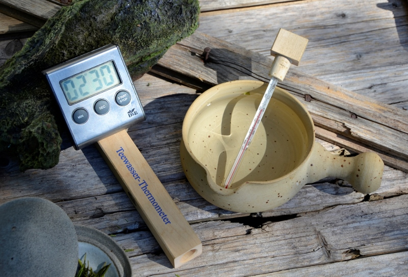Teewasserthermometer und Teeuhr - hilfreiche Instrumente der Teezubereitung
