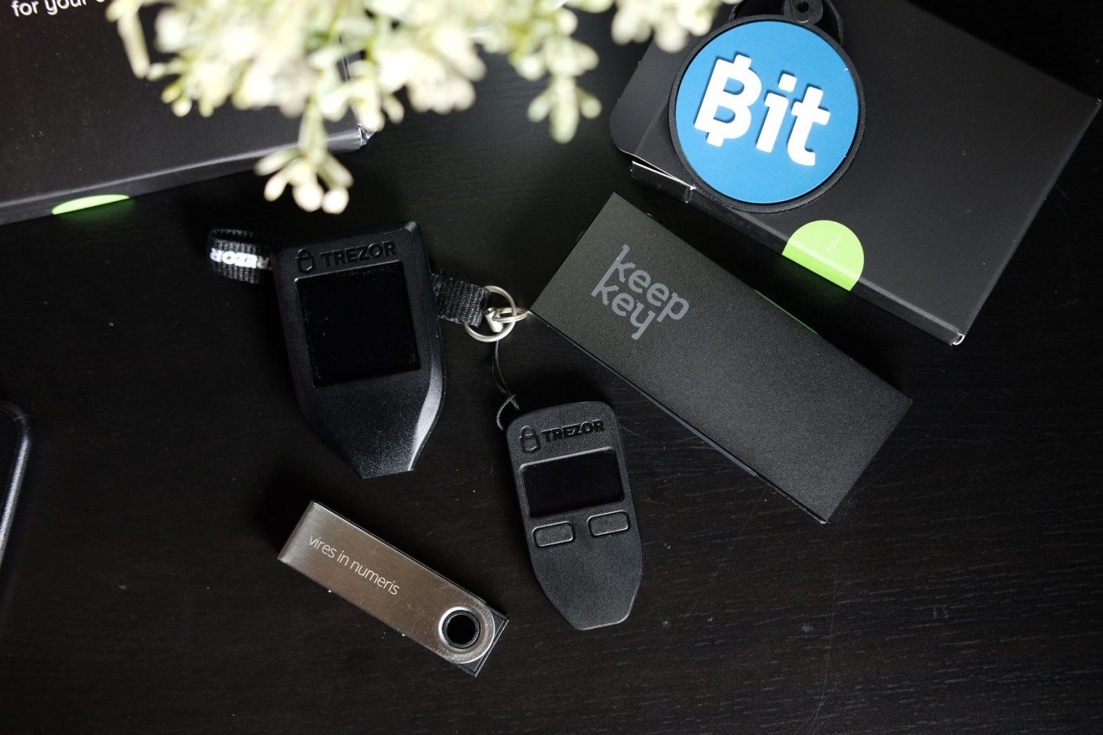 Hardware Wallet กระเป๋าเก็บบิทคอยน์