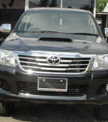 2012 Vigo Toyota Hilux front is redesigned. Available at Thailand, Dubai, Singapore  and England United Kingdom top 4x4 delaer Jim Autos Thailand, Dubai, Singapore  and England United Kingdom