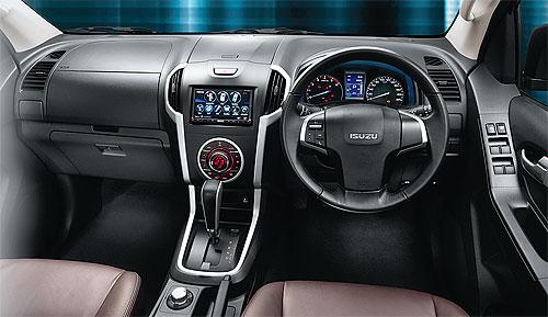2012 Isuzu Dmax interior at Forward Motors Thailand