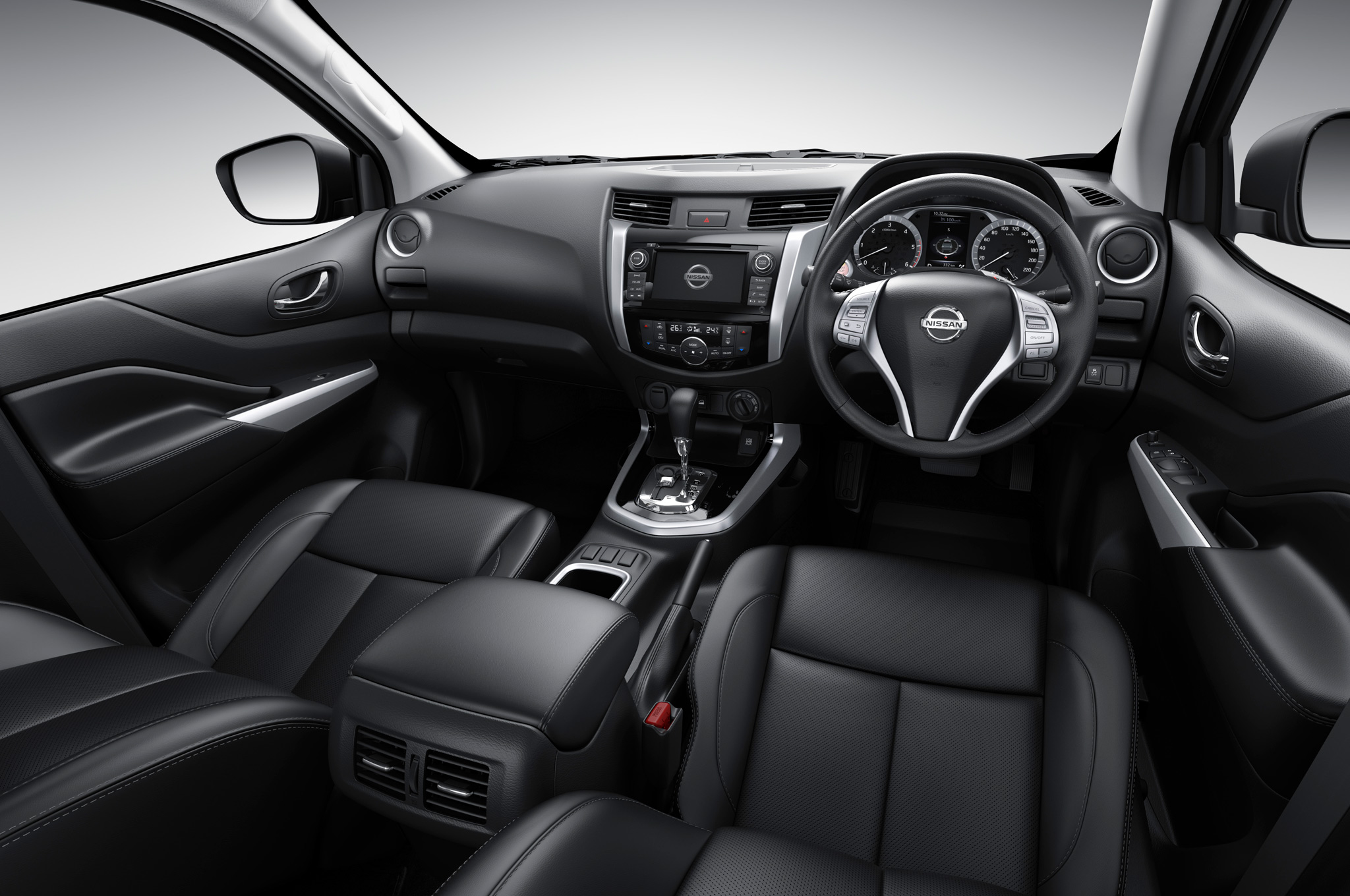 Nissan-NP300-Navara-12th-gen-interior-dark