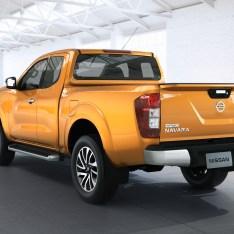 Nissan-NP300-Navara-12th-gen-rear-side-view