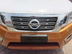 2015-Savannah-Orange-Nissan-Navara-NP300-front-grill