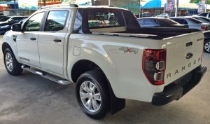 2014-Ford-Ranger-Wildtrak-white-rear-side