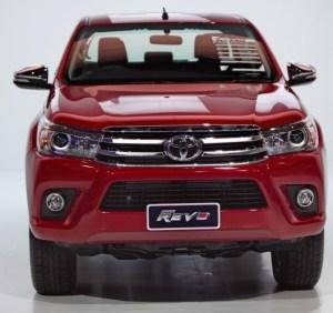 2016-Toyota-Hilux-Revo-Thailand-Red