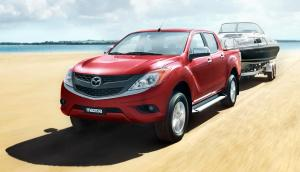 2016-Mazda-BT-50-PRO-red-front