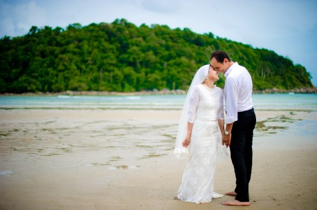 Yasmine and Mohamed's Beach pre-wedding (prenuptial, engagement session) in Phuket, Thailand. Beach_Phuket_wedding_photographer_Yasmine and Mohamed_03.JPG